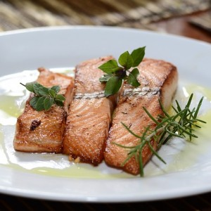 Healthy Dinner Idea: Salmon with Tarragon Mayo