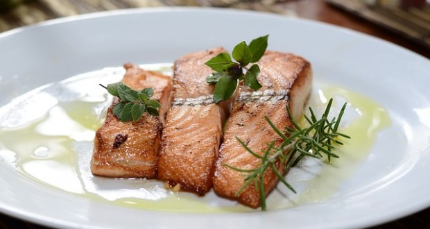 Healthy Dinner Idea: Salmon with Tarragon Mayo