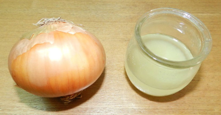 3-Powerful-Remedies-for-Hair-Growth-Onion-Juice