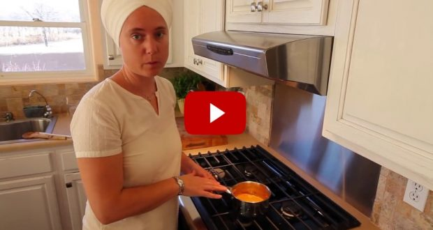 VIDEO: Recover Your Muscles and Joints With This Amazing Golden Turmeric Recipe