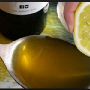 If You Mix One Lemon With One Tablespoon of Olive Oil, You Will Get Amazing Remedy