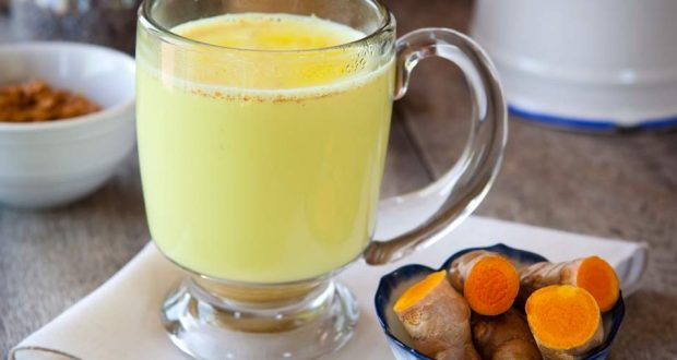 Get Rid of Insomnia and Stomach Problems with This Amazing Turmeric-Coconut Elixir