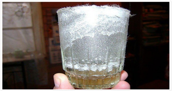 Use a Glass of Water to Detect Negative Energy in Your Home