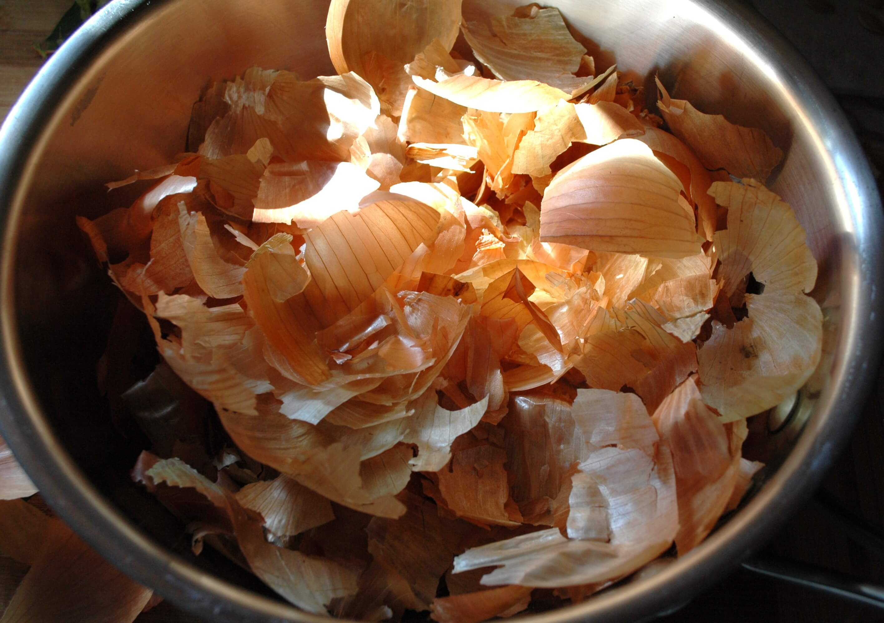 Do Not Throw Away Onion Skin! Use It for These Health Problems