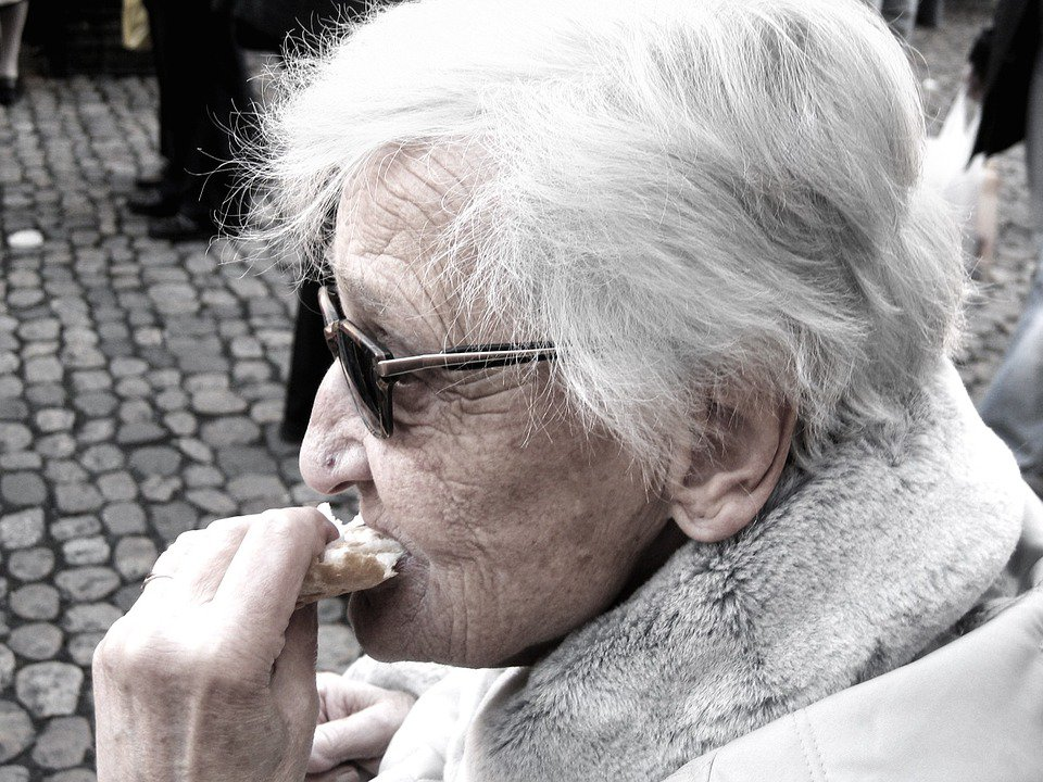 Latest Studies Show There Is a Link Between Alzheimer's and Our Food
