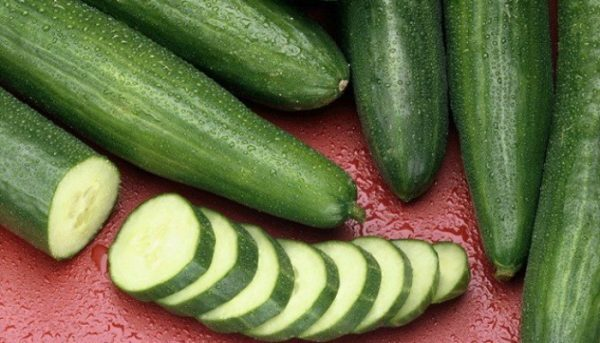 5 Reasons to Eat a Cucumber Every Day
