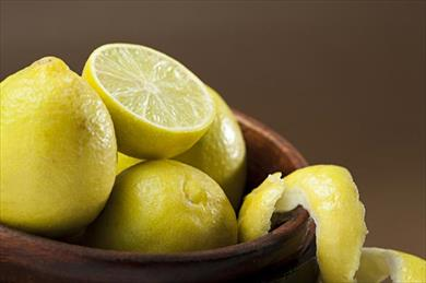 3 Amazing Benefits of Using Lemon Juice for Hair