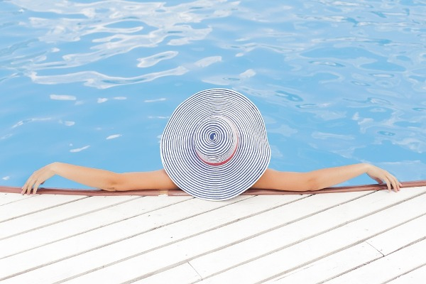 Is The Chlorine In The Pools Dangerous For The Health?