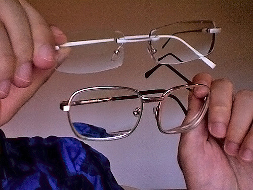 Polish and Clean Your Dirty Glasses Simple Way!